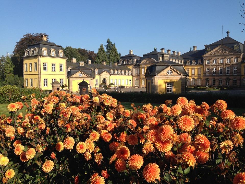 Castle, Flowers, Castle Park, Schlossgarten