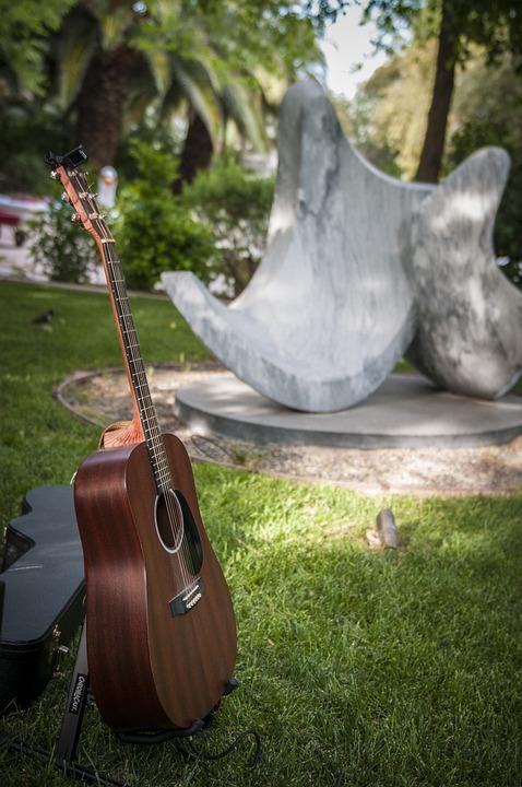 Garden, Sculpture, Guitar