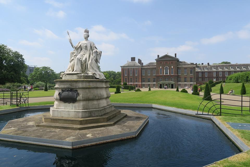 Architecture, Fountain, Travel, Statue, Sculpture