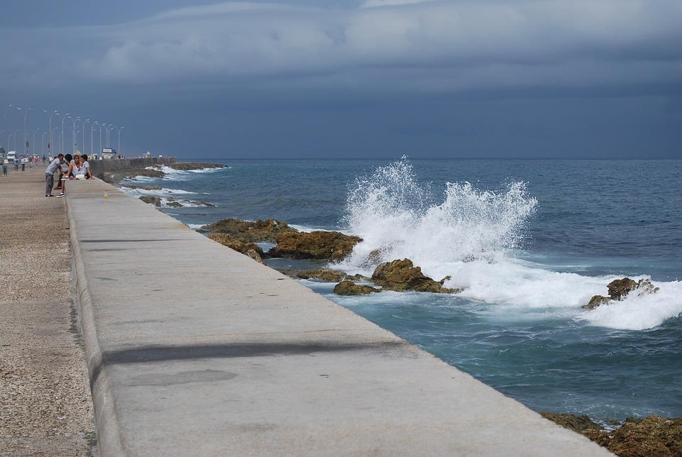 Cuba, Havana, Sea