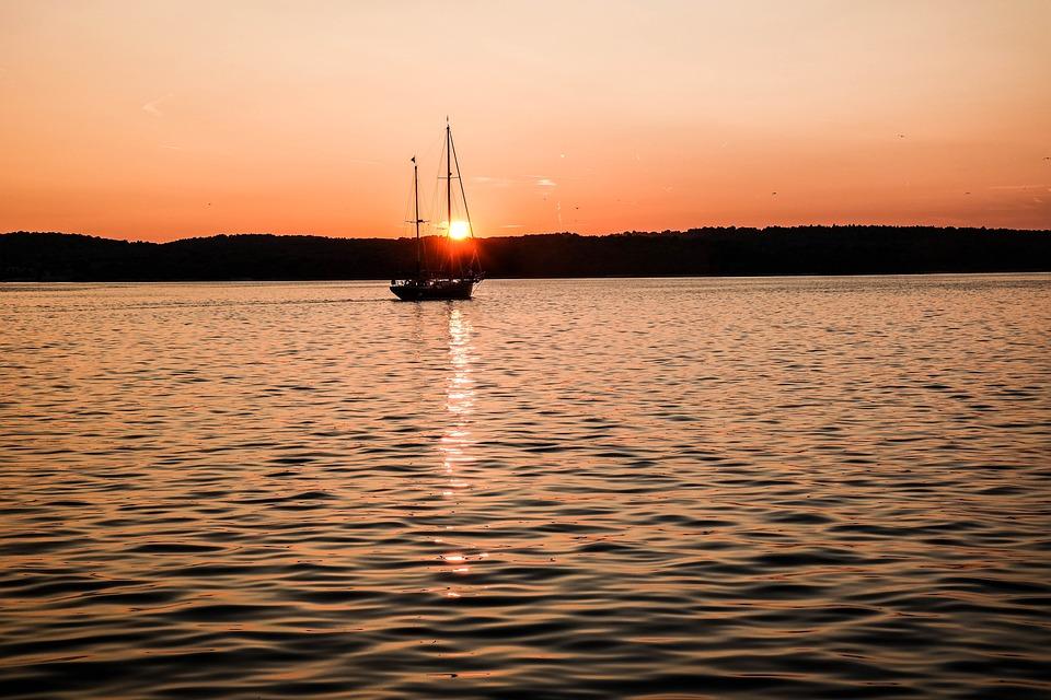 Sailboat, Motorboat, West, Sea, The Coast, The Sun, Sky