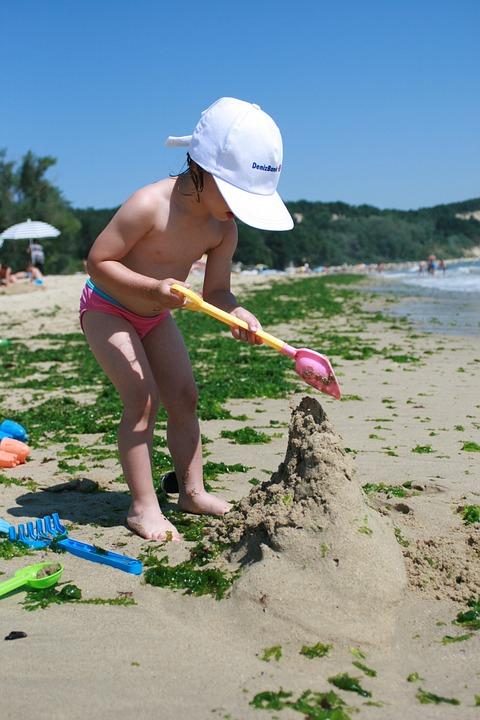 Sea, Game, Sand, Seaweed, Child, Girl, Hat, Beach