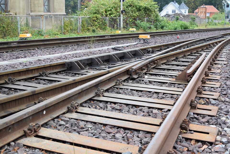 Gleise, Train, Seemed, Railway, Railway Station
