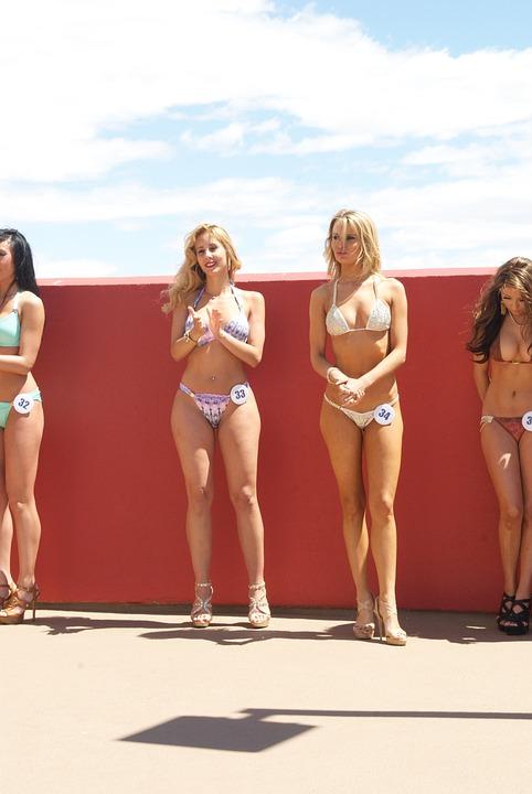 Girls beach naked