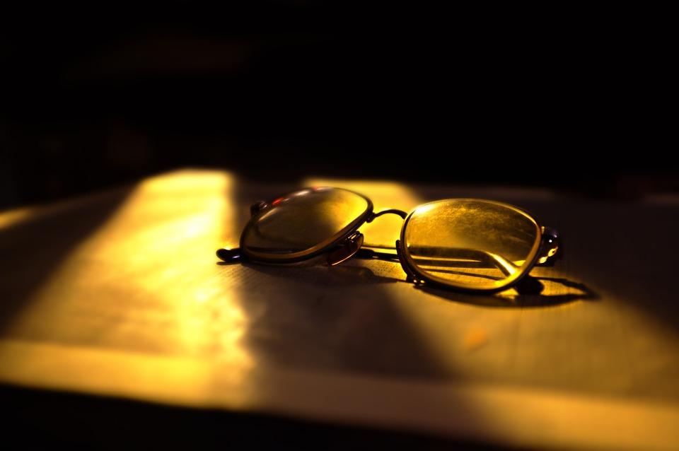 Eyeglasses, Sunlight, Shadows, Dark