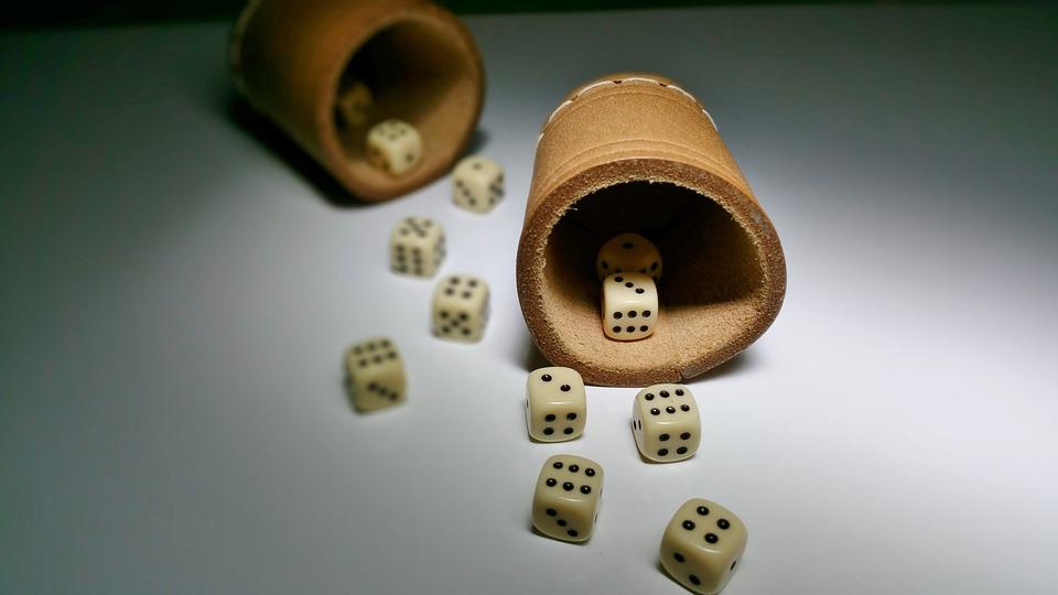 Cube, Shaker, Luck, Gambling, Gesellschaftsspiel