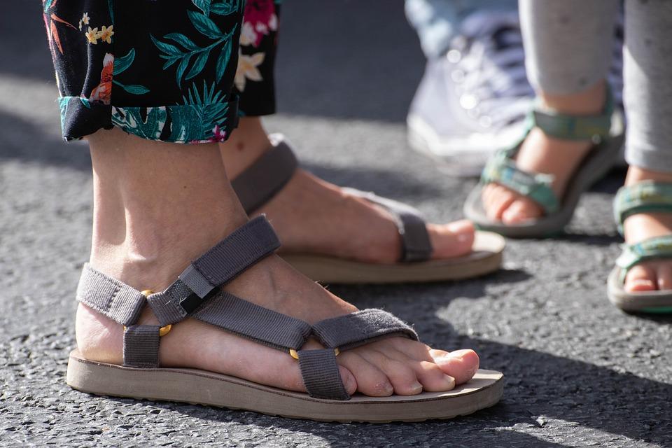 Feet, Slippers, Sandals, Foot, Shoe, Footwear, Slipper