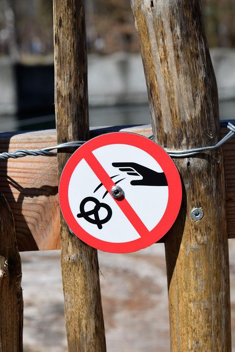 Sign, No Trash, Pretzel, Fence, Rubbish, Metal, Red