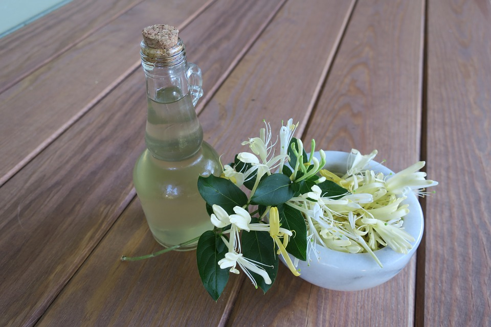 Honeysuckle, Simple Syrup, Edible