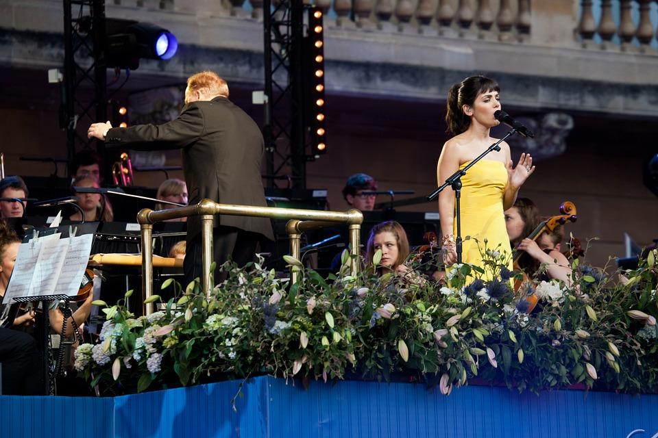 Katie Melua, Concert, Singing, Conductor