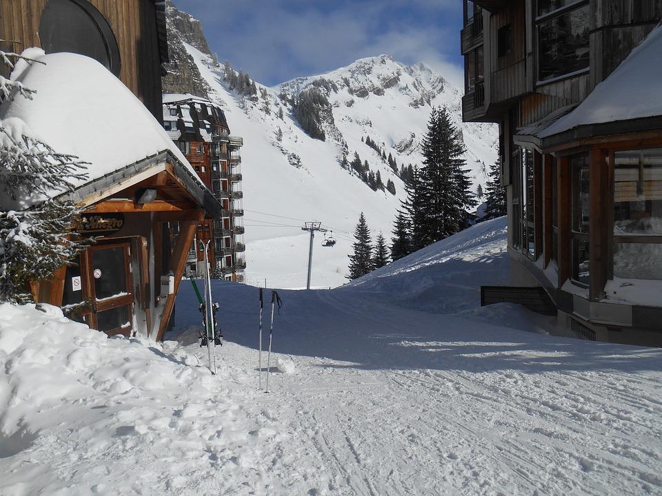 Skis, Skiing, Winter, Snow, Sport, Mountain, Vacation