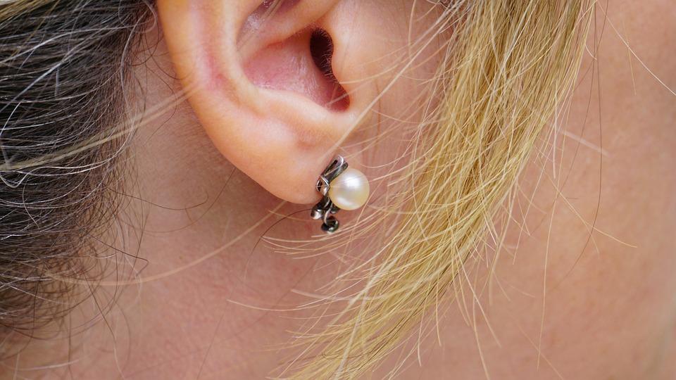 Earring, Ear, Woman, Jewellery, Style, Skin, Adult