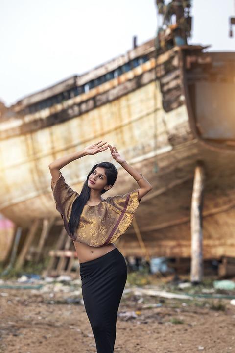Golden, Skirt, Crops, Fashion, Lifestyle, Model, India