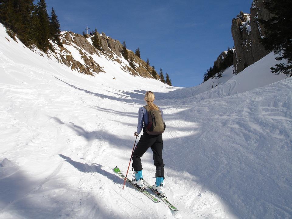 Backcountry Skiiing, Skitouren Predecessor, Snow Trough