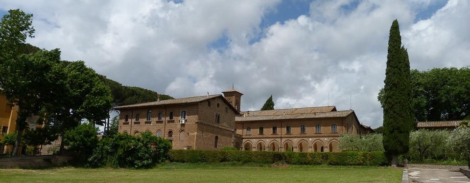 House, Architecture, Lawn, Sky, Building, Lazio, Italy