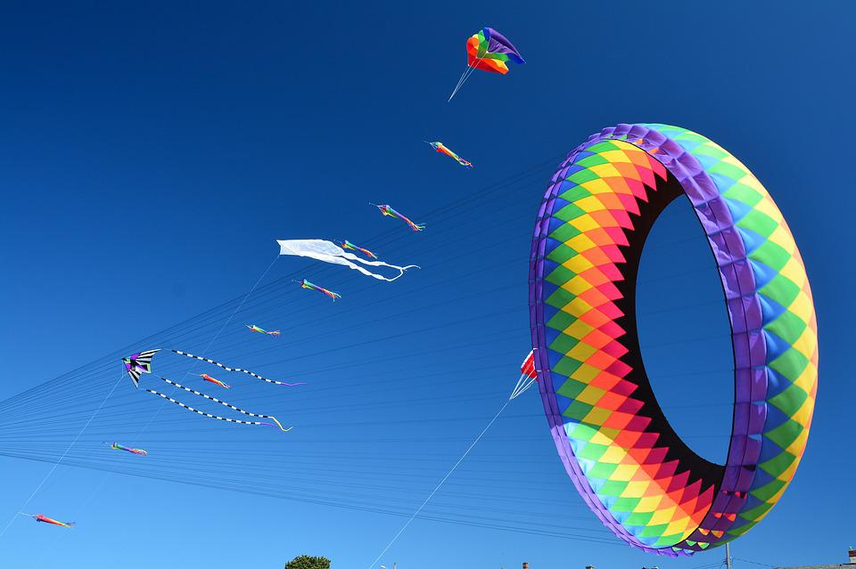 Kites, Flying, Sky, Blue, Recreation, Summer, Fun