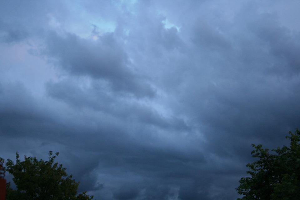 Linear, Slanted, Blue Hues, Sky, Clouds, Outdoors