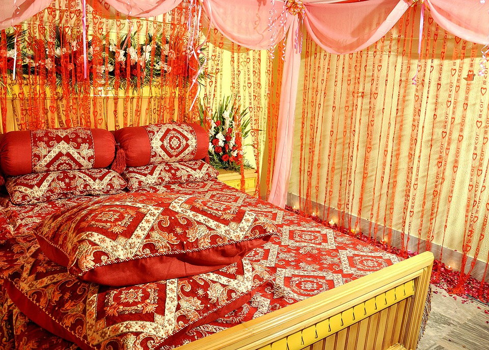 Bridal Suite, Bedroom, Sleeping Room, Bed, Suite, Hotel