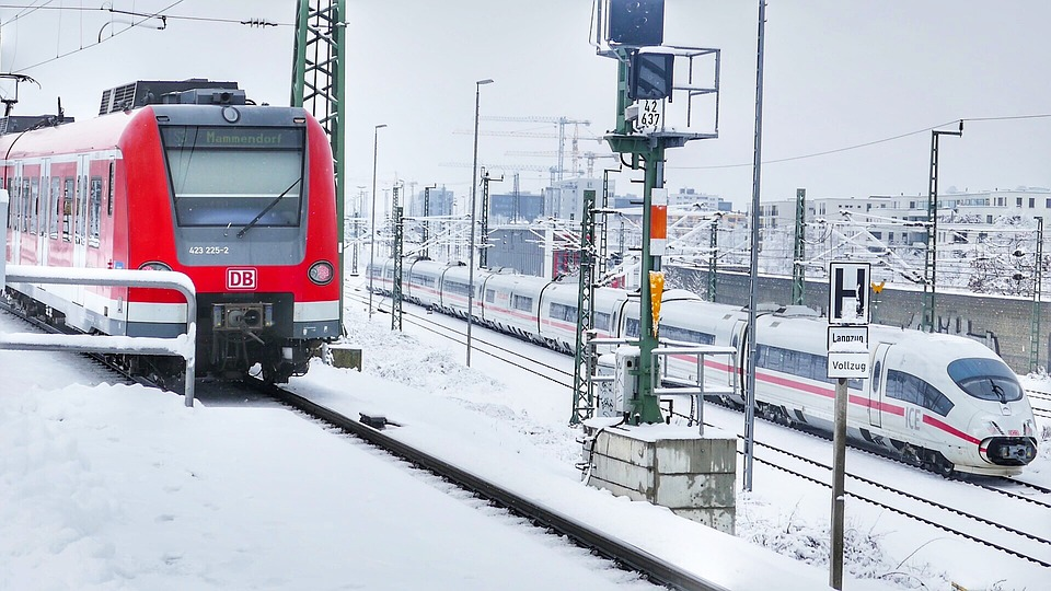 Transport System, Winter, Snow, Traffic, Horizontal