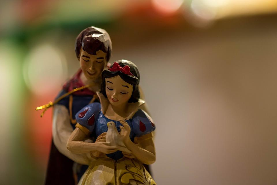 Snow White, Princess, Prince, Figurines, Ornament