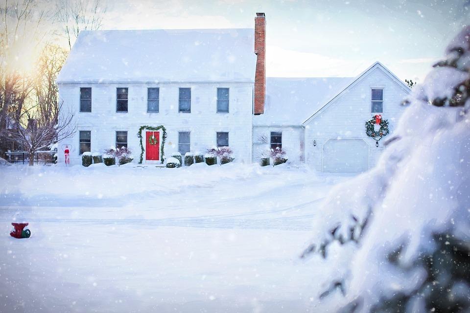 Christmas House, White House, Winter, Snow, Snowy