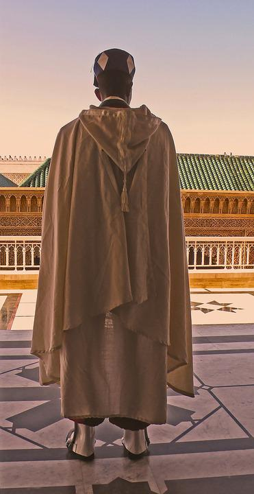 Guard, Soldier, Architecture, Robe, Fashion, Tomb