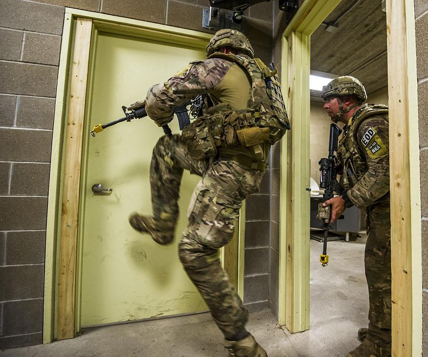 Soldiers, Training, Exercise, Breach, Firearm