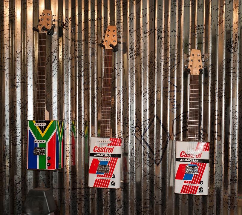 South Africa, Guitar, Tin