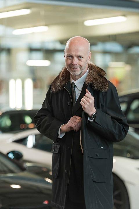 Businessman, Coat, Auto, Lamborghini, Black, Sports Car