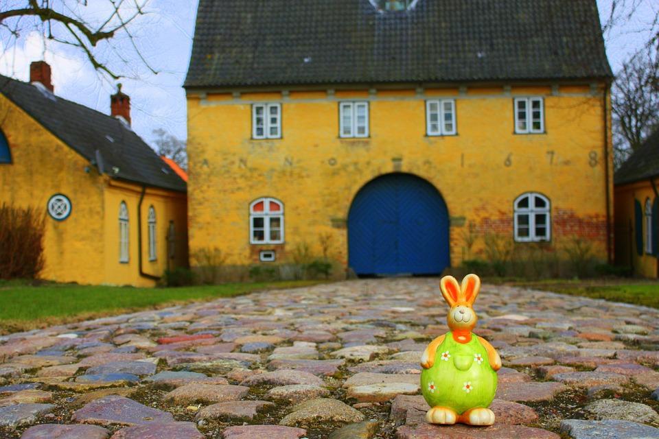 Easter Bunny, Happy Easter, Easter, Spring, Fig, Travel
