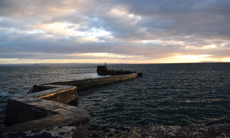 Scotland, Fife, East Neuk, St Monans, Breakwater