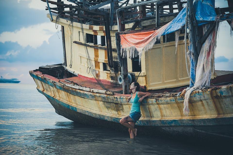 Thailand, Samui, Ship, Broken, Sunken, Girl, Stands