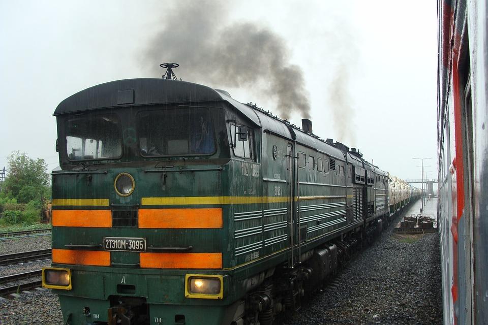 Train, Diesel Locomotive, Russia, Station, Rain