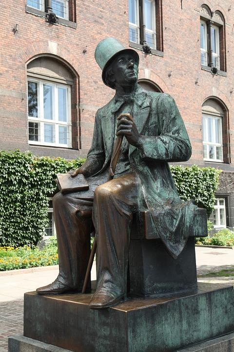Denmark, Andersen, Town Hall Square, Copenhagen, Statue