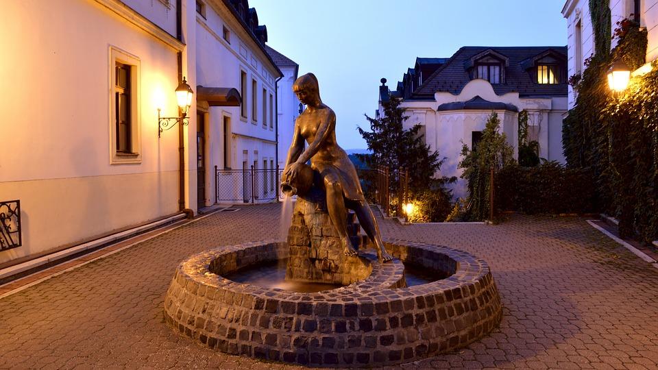 Statue, Old Town Square, Veszprém, Castle