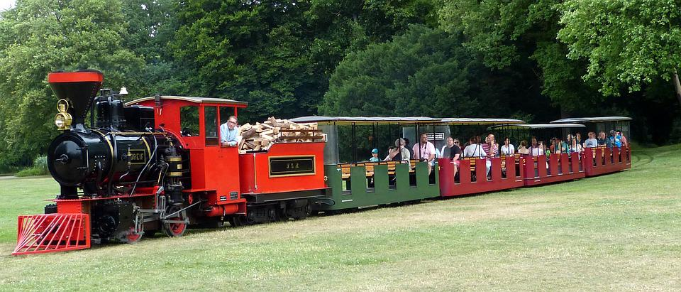 Steam Locomotive With Wagons, Engine