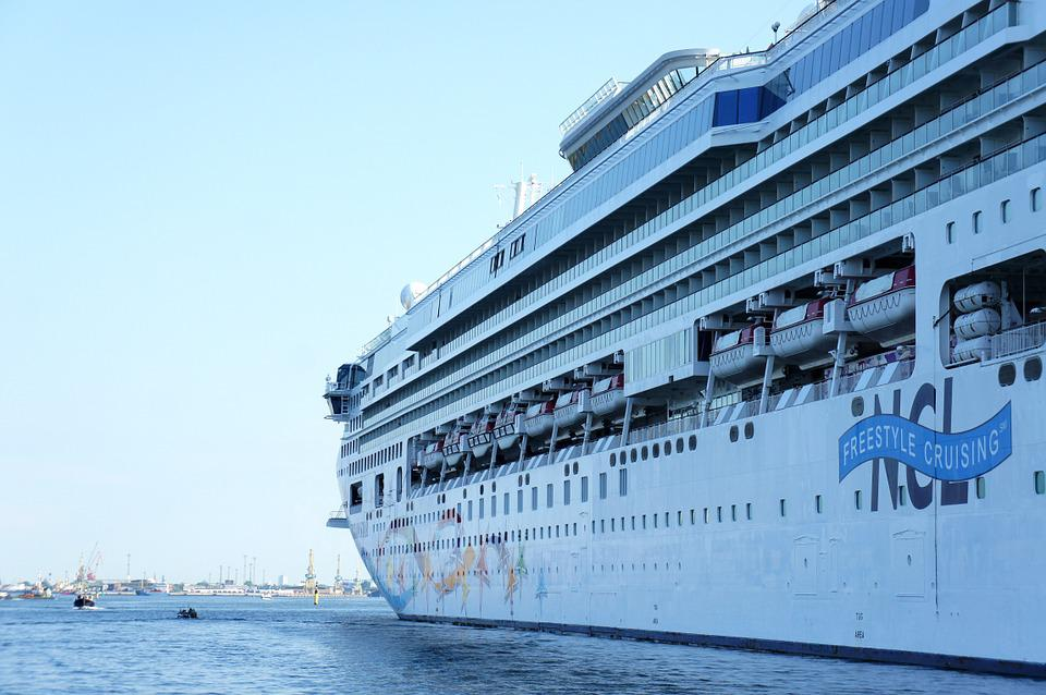 Free Photo Steamer Luxury Liner Cruiser Cruise Ship Ship Max Pixel - Can you take a steamer on a cruise ship