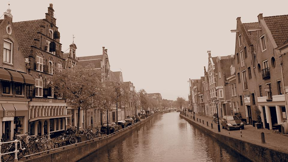 Canal, Ancient Times, Stepped Gable, Canal House