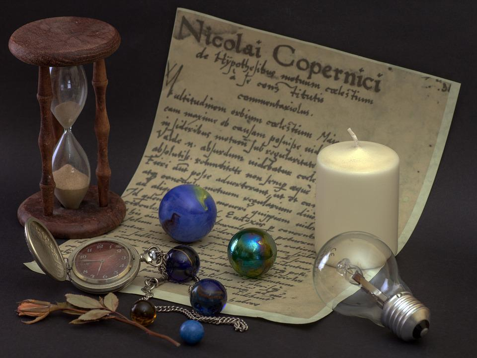 Still Life, Hourglass, Glaskugeln, Candle, Light Bulb