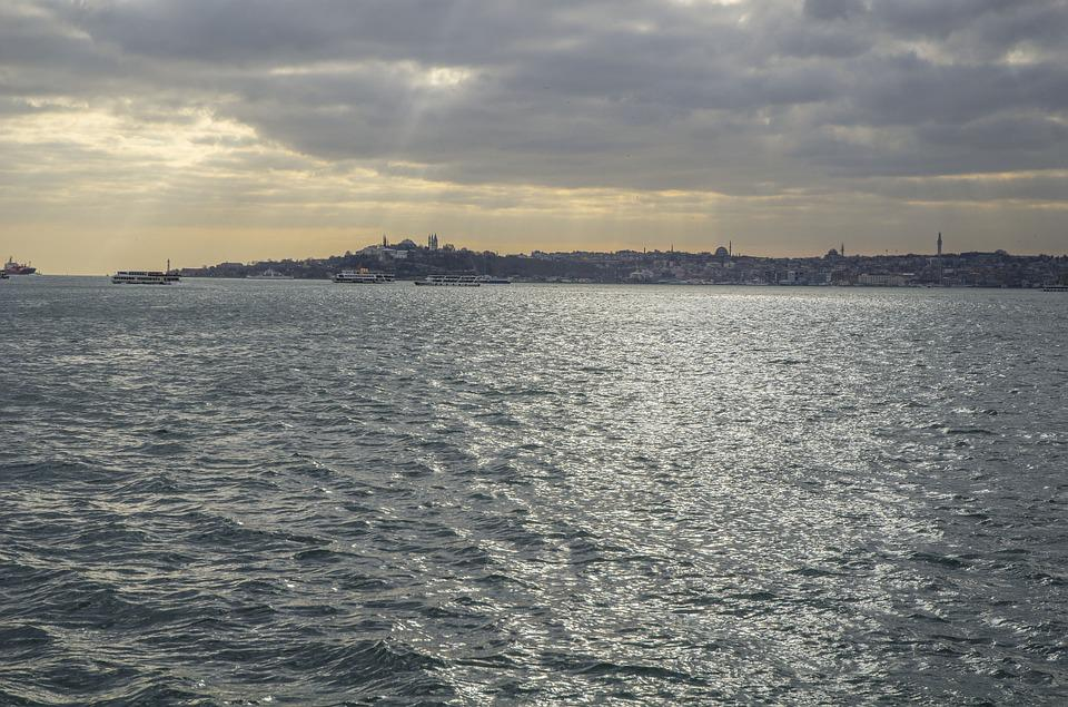 Istanbul, Strait, Light