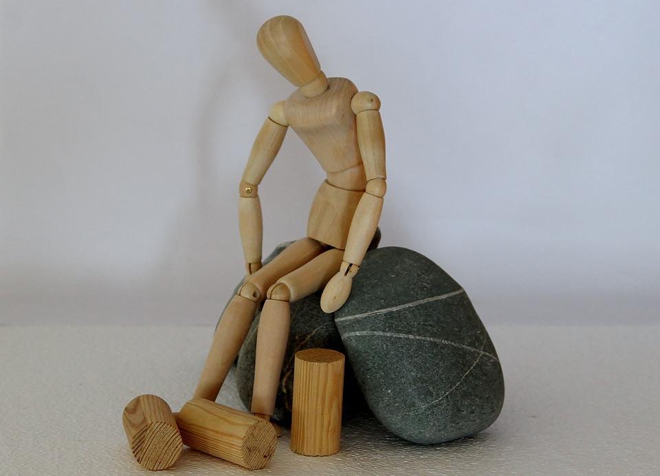 Holzfigur, Stones, Hopeless, Stranded, Refugee, Asylum