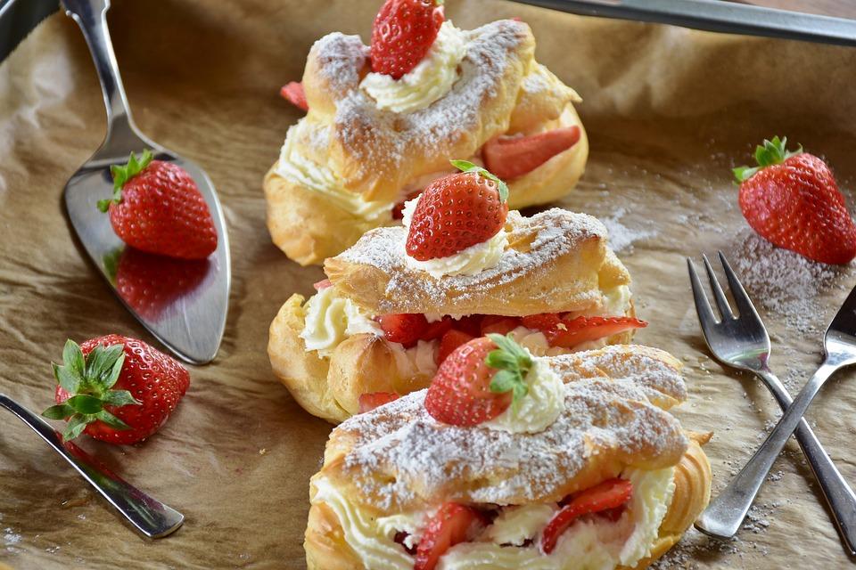 Eclair, Strawberry Cake, Strawberries, Cream