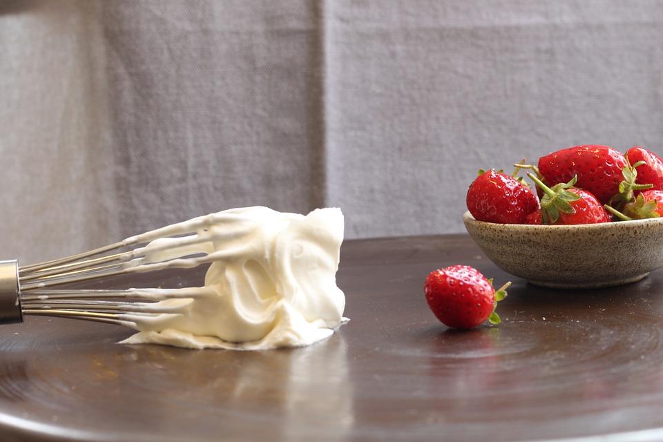 Strawberries, Cream, Whisk, Sweet, Strawberry
