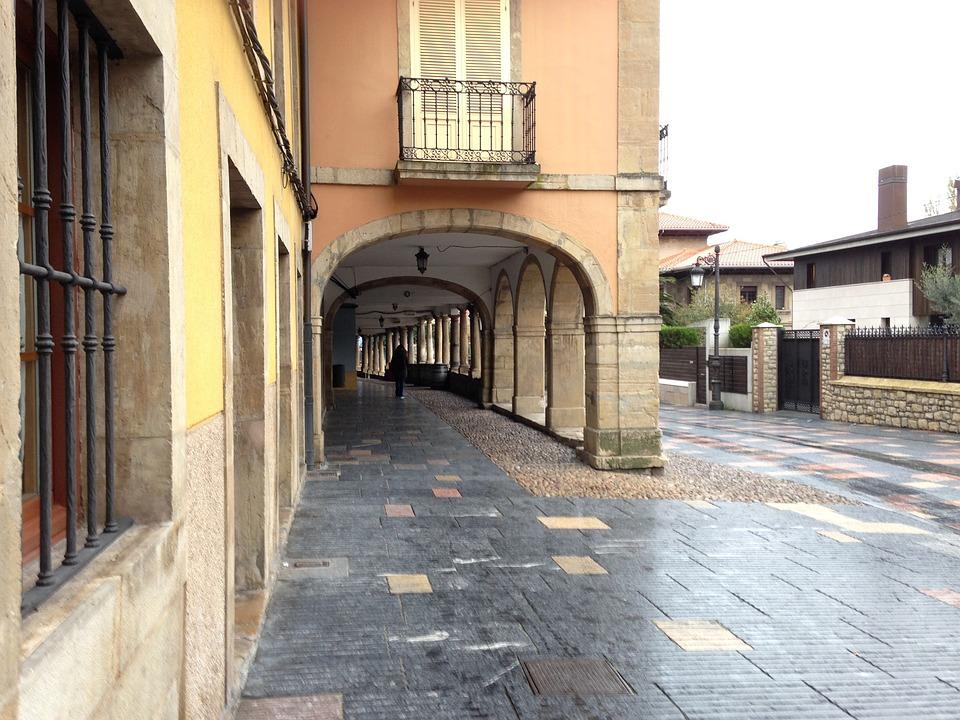 Aviles, Galiana, Street