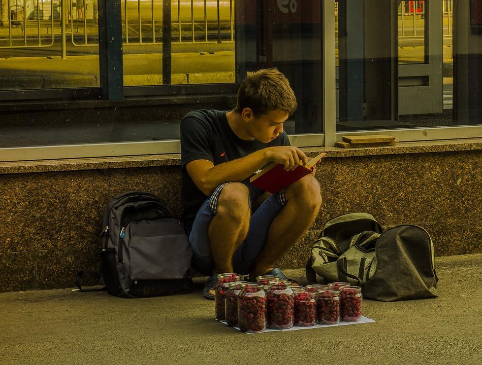 Street, The Seller, Raspberry, Guy, Reads