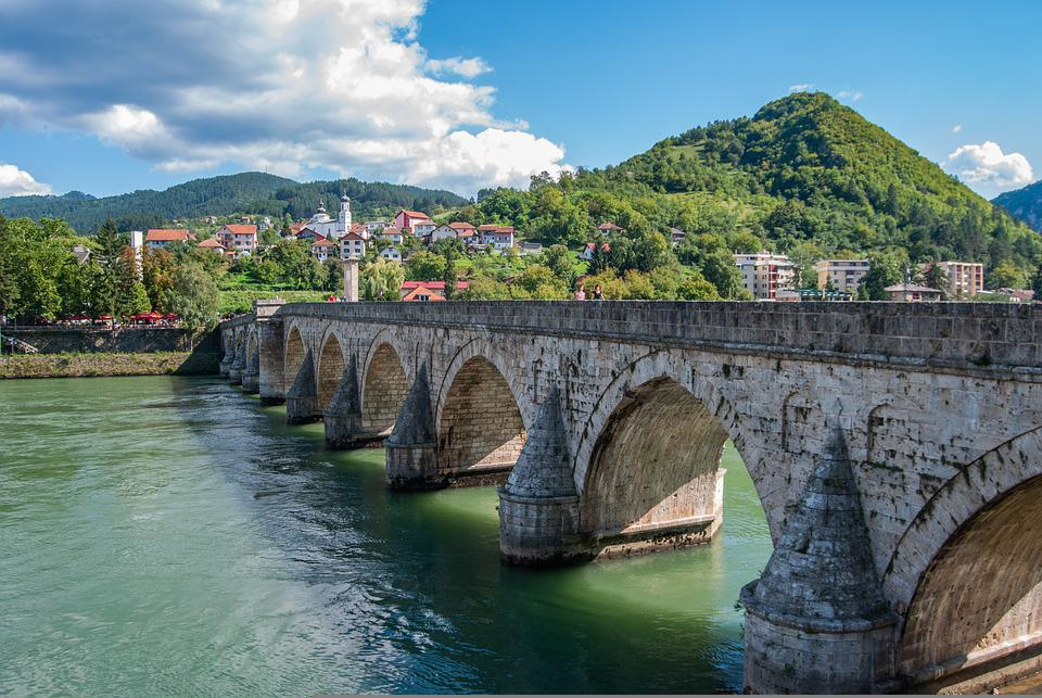 Bridge, Mehmed Paša Sokolović Bridge, Structure, River