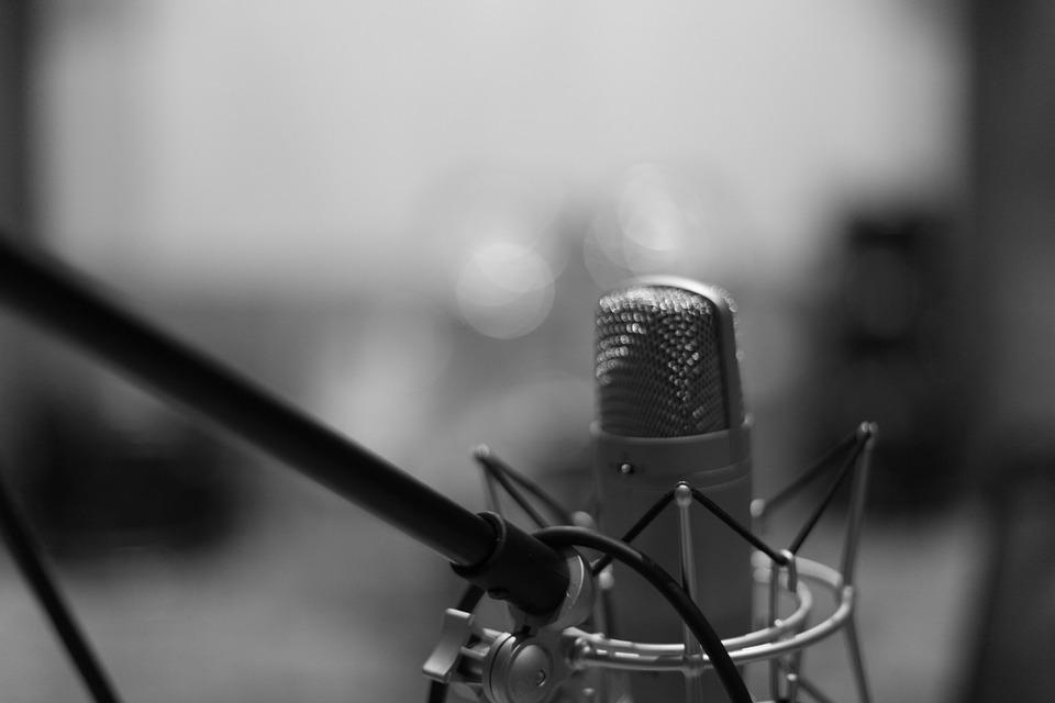 Microphone Mic Black And White Music Studio
