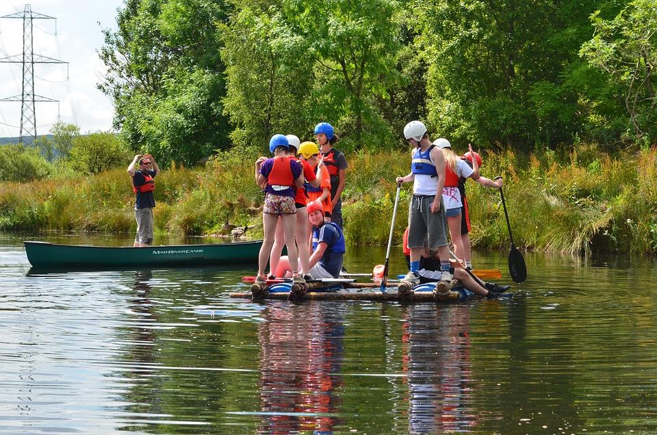 Sailing Lake Summer Camp Kids Outdoor Canoeing