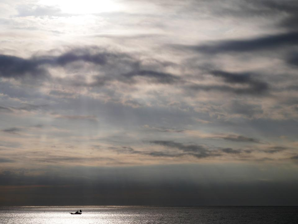 Morning, Sea, Light, Darkness, Gray, Black, Sun, Cloud