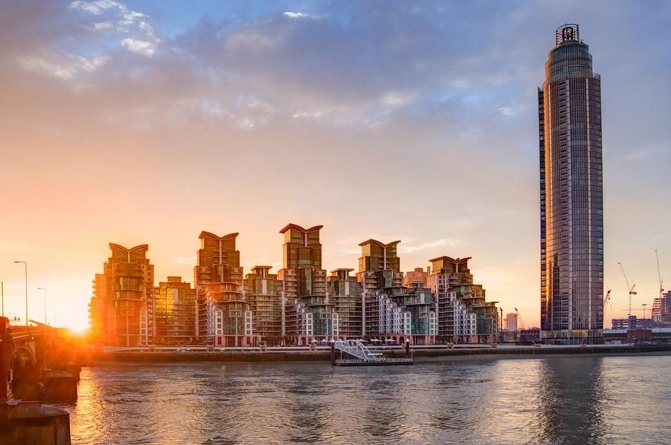 London, St George Wharf Tower, Sunrise, Morning, Early